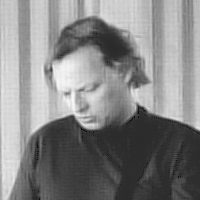 David Gilmour with single chin.